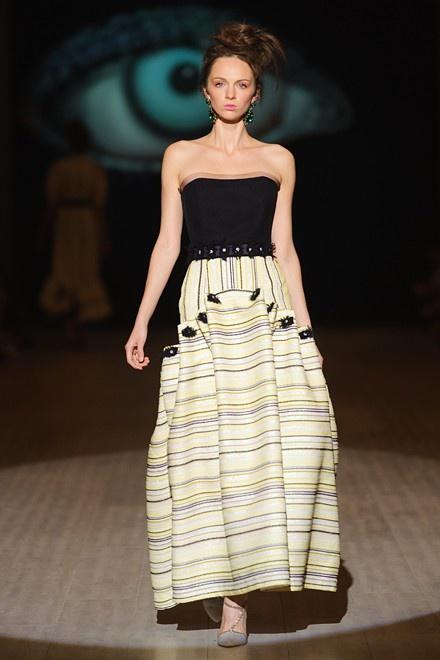 Плаття на Випускний-2016  модні тенденції 3d04631f258b0