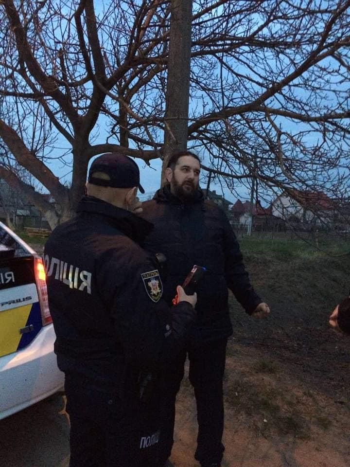 18 квітня у селі Коровія поліцейські зупинили авто RENAULT MEGANE, водій якого був напідпитку