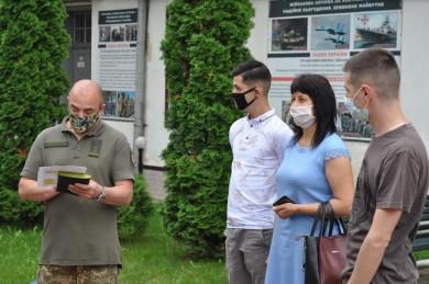 Офіцери запасу з Буковини вибули до військових вишів щоб відновити військові навички (ФОТО)