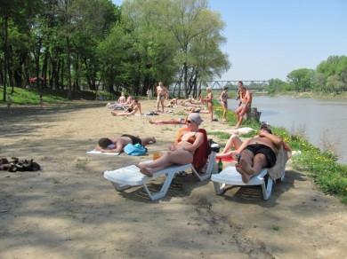 На чернівецьких пляжах купатися не можна - обласний лабораторний центр