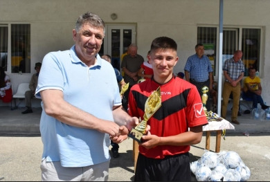 На стадіоні «Карпати» у Путилі відбувся VII Турнір з футболу пам'яті гравця київського «Динамо» і збірної України Андрія Гусіна, на який приїхали його батьки