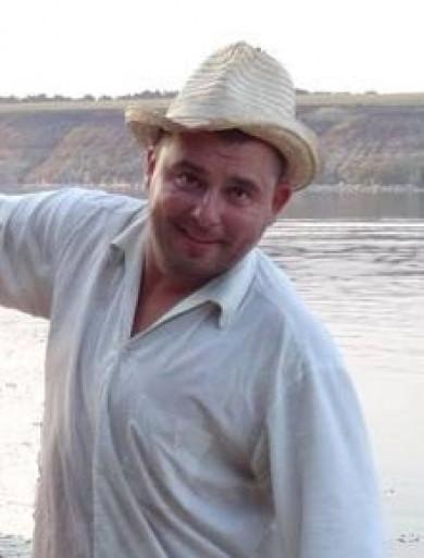 Загубив товариша за чаркою: на Сокирянщині поліцейські розшукують чоловіка, який зник на відпочинку на березі Дністра