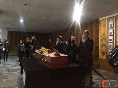 У Чернівцях відбулося прощання з журналістом Олегом Туданом, котрий помер від раку (ФОТО)