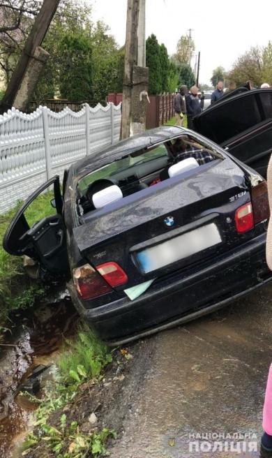 У Верхніх Петрівцях в автопригоді травмувалося троє людей (ФОТО)