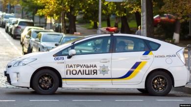 Службовий автомобіль поліції порушив ПДР і зійснив аварію у Заставні