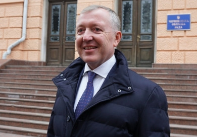Сергій Осачук потрапив у трійку голів ОДА, хто отримує найвищі зарплати в Україні. У вересні він заробив 62 тисячі грн