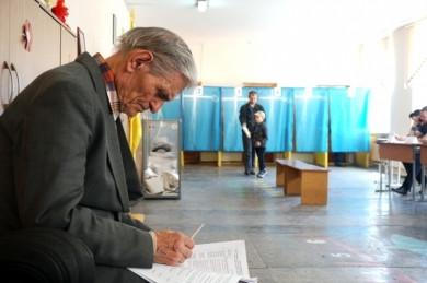 Скільки голосів виборців отримав кожен з новообраних депутатів Чернівецької районної ради?