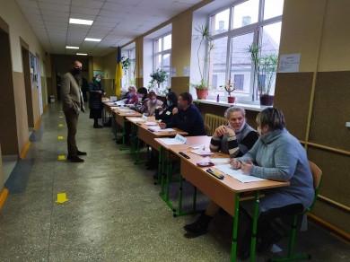 У Чернівцях у другому турі на виборах мера явка склала 23,1%. Проголосували майже 43 тисячі виборців
