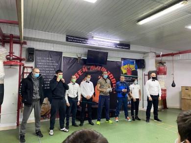 """У чернівецькому БК """"Колізей"""" відбулися змагання з боксу: організатори дотримались карантинних вимог"""