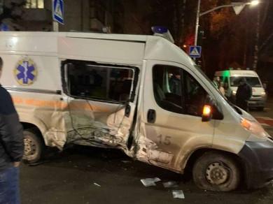 Аварія зі швидкою у Різдвяну ніч: троє медиків у лікарні (ФОТО)