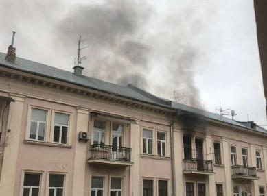 У квартирі на вулиці Поштовій в Чернівцях стався вибух: постраждалий у реанімації