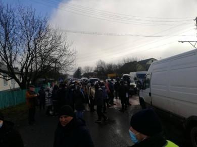 """Після Мамаївців """"тарифний бунт"""" проти підняття тарифів за газ підхопили в Оршівцях (ФОТО)"""