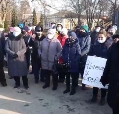 Завтра жителі Хотина через подорожання газу хочуть перекривати автотрасу в Атаках (відео)