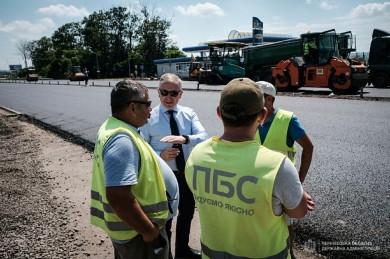 Підрядників капітального ремонту міжнародної траси на Румунію, яких піарив Осачук, судитимуть за привласнення 800 тис. гривень