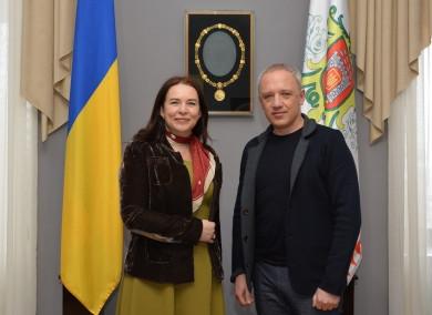 Генеральний консул Румунії в Чернівцях Стенкулеску: Місто Алба-Юлія хоче налагодити з Чернівцями побратимські стосунки