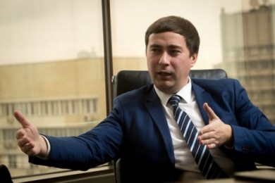 «Буде біда для вас». Аграрний міністр пообіцяв показати, кому і скільки землі належить в Україні