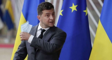 «Українці – не кролики»: Зеленський заперечив закупівлі російської вакцини і вакцинується разом із українськими військовими