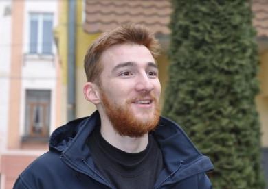 Чернівчанин Богдан, який схожий на світову футбольну зірку Ліонеля Мессі, стане воїном контрактником ЗСУ