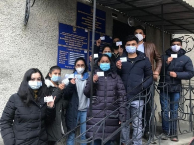 На Буковині більше 400 іноземних студентів отримали дозвіл на тимчасове проживання в Україні. Найбільше з Індії та Єгипту