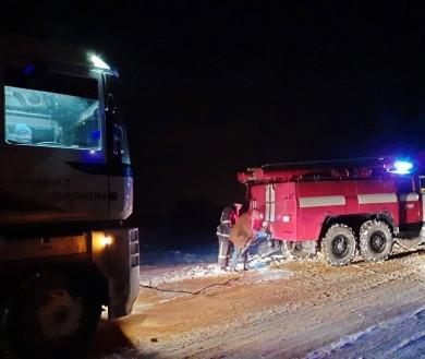 Минулої доби на Буковині рятувальники визволили зі снігового полону десятки автомобілів (ФОТО)