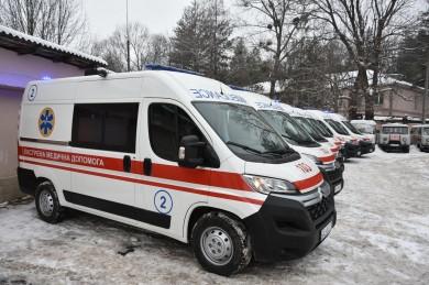 На Буковині Центр екстреної медичної допомоги та медицини катастроф придбав 22 карети «швидкої»