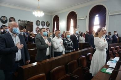 """10 членів """"Команди Михайлішина"""" і """"Рідного міста"""" стали депутатами Чернівецької міськради. Продан не явився..."""