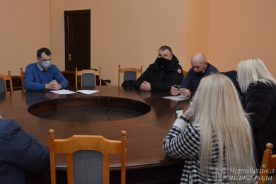 Чернівецька міськрада проситиме Уряд дозволити роботу промислових ринків в умовах карантинних обмежень