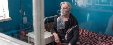 Чернівчан, через заповненість міських лікарень, масово шпиталізують у райони