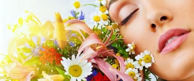 """Будівельна фірма """"Чернівціжитлобуд"""" привітала буковинок зі Святом весни і краси"""