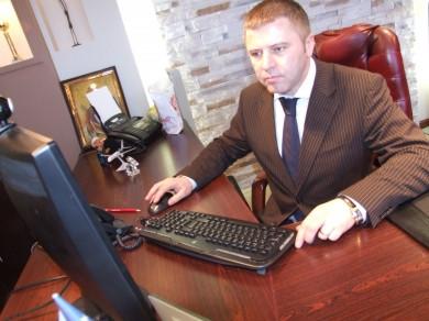 """Суд виправдав ексдиректора """"Калинівського ринку"""". Його підозрювали у хабарі у 220 тисяч доларів"""
