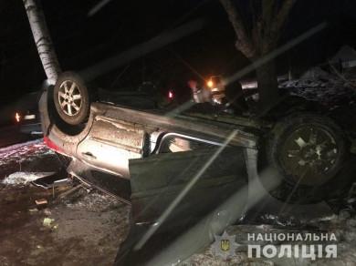 8 березня у селі Панка на Сторожинеччині перекинувся автомобіль, двоє травмованих