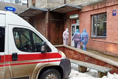 Місць немає: хворих на коронавірус чернівчан почали доставляти до Хотинської райлікарні