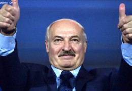 """""""Він щиро рахує, що нічого не порушив"""". Співавтор фільму  """"Золоте дно"""" і білоруський політолог про палаци Олександра Лукашенка"""