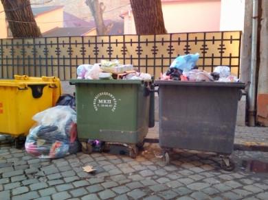"""Комунальне підприємство """"Чернівціспецкомунтранс"""" більше не буде вивозити сміття з обласного центру. І на те є причини..."""