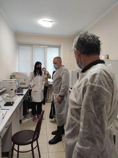 У реанімаційне відділення інсультного центру лікарні №3 Чернівців доправили додатково п'ять кисневих концентраторів, - Клічук