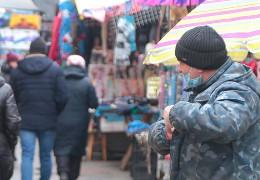 """Калинівський ринок в Чернівцях закривають на карантин - Уряд посилив обмеження у """"червоній зоні"""""""