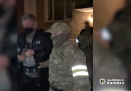 Поліцейські Буковини затримали двох літніх педофілів за розбещення неповнолітніх