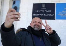 Офіційно: Довибори в Раду на Прикарпатті виграв слуга-богатир Вірастюк