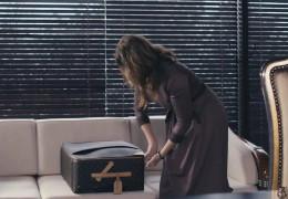 """Прочанка класу """"люкс"""" Оксана Марченко поїхала у лавру на Донбасі з валізою Louis Vuitton"""