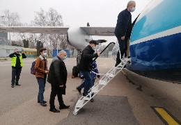 Клічук з Крохмалем вилетіли з чернівецького аеропорту на Київ першим відновленим авіаресом