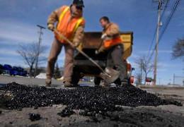 Де ремонтуватимуть дороги: громади Буковини стурбовані «непрозорістю» Чернівецької ОДА