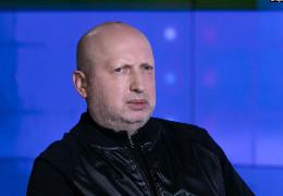 Турчинов: Я хочу запитати у Зеленського: хто зараз заробляє на війні?