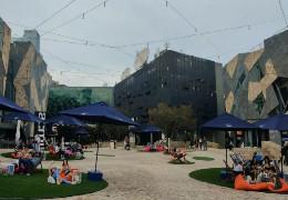 У Ратуші розповіли, як збираються перетворити у Чернівцях тролейбусне депо в сучасний Торгівельно-розважальний центр