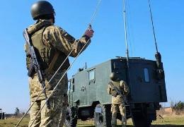 На Донбасі підірвався військовий автомобіль. Один військовослужбовець загинув, трьох поранено