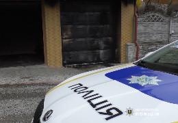 """На Буковині невідомий підпалив людині гараж """"коктейлем Молотова"""""""