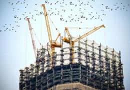 Директора будівельної фірми з Чернівців, який втік з України у Польщу, заочно засудили за шахрайство