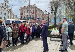 Міський голова Чернівців напередодні Великодня зустрівся з родинами полеглих Героїв