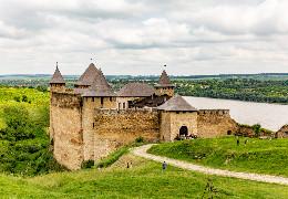 Біля Хотинської фортеці збудують вбиральню з підігрівом за 6 мільйонів