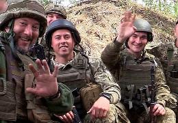Українські воїни з передової зворушливо привітали з Днем матері