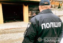 Палять будинки і авто, підкидають похоронні вінки: Буковину охопила хвиля нападів на голів місцевих громад